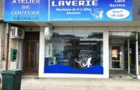 Enseigne + vitrine Laverie (Cazères 31220)